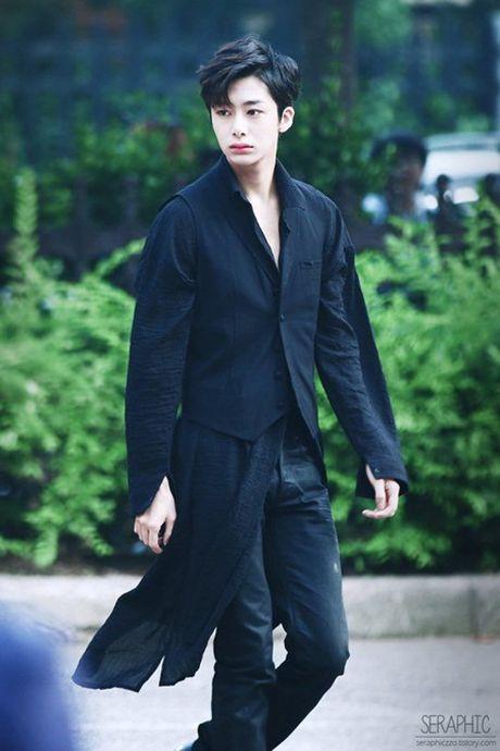 8 idol nam nay se la dai dien nhan sac the he moi cua Kpop - Anh 2