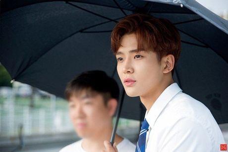 8 idol nam nay se la dai dien nhan sac the he moi cua Kpop - Anh 7