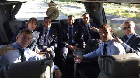 Real roi truoc Sieu cup: Loan tin Ronaldo dau MU hay nghi - Anh 2