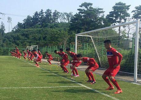 U23 Viet Nam: Cong Phuong tap nhu VDV dien kinh cho xong dat SEA Games - Anh 1