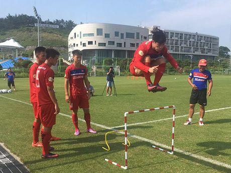 U23 Viet Nam: Cong Phuong tap nhu VDV dien kinh cho xong dat SEA Games - Anh 2
