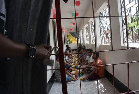 Con loc ma tuy hoanh hanh trong gioi tre Bangladesh - Anh 1