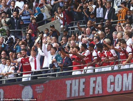 Chelsea sut luan luu nhu tha, Arsenal vo dich Sieu cup Anh - Anh 11