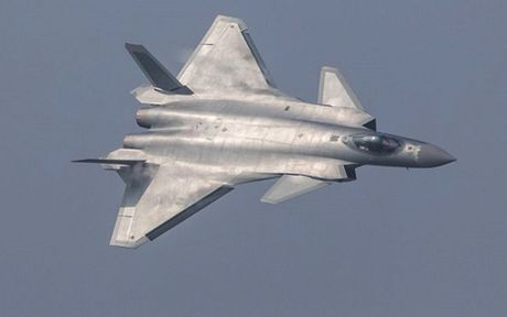 May bay tang hinh cua Trung Quoc va Nga khong co co hoi chong lai F-35 va F-22 cua My - Anh 1