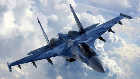 May bay tang hinh cua Trung Quoc va Nga khong co co hoi chong lai F-35 va F-22 cua My - Anh 2