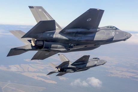 May bay tang hinh cua Trung Quoc va Nga khong co co hoi chong lai F-35 va F-22 cua My - Anh 3