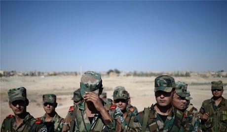 Quan doi Syria giai phong hoan toan thi tran Al-Sukhnah o Dong Homs - Anh 1