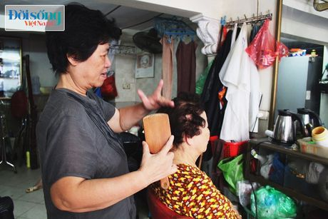 Nguoi dan ba hon nua the ky chi lam dep cho nguoi gia - Anh 3