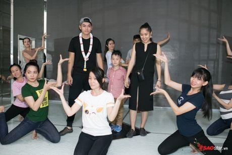 Con trai la so 1, Le Phuong ban ron dam cuoi van khong quen cham soc tung li tung ti - Anh 1
