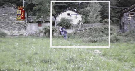 Nguoi mau Anh ke viec bi bat coc, rao ban tren web den - Anh 3