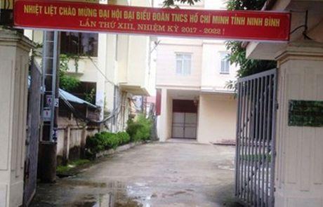 Di nham duong, Giam doc So KH&CN mang chui, tat tai xe thang tay - Anh 1