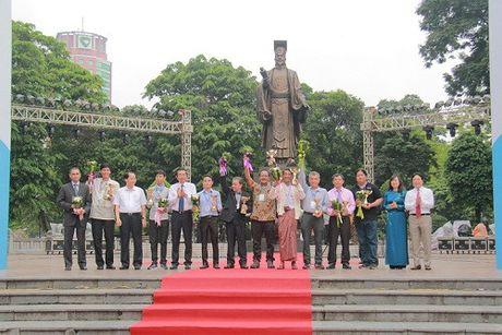 Khai mac Trien lam anh 'Dat nuoc, con nguoi ASEAN' - Anh 3