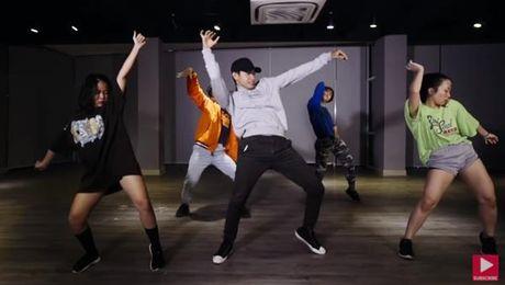 Quang Dang lam moi sieu hit 'Despacito' bang phien ban dance - Anh 1
