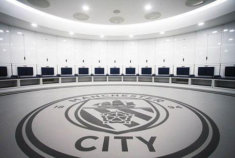 Choang voi phong thay do sang chanh cua Man City - Anh 2