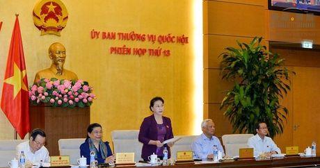 Lua chon bao chi dua tin hop Thuong vu Quoc hoi: Quan chuc sao phai so 'lo mieng'? - Anh 2
