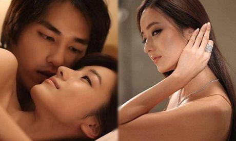Su that phoi bay sau dem tan hon, chong uong say vao nham phong o sin - Anh 1