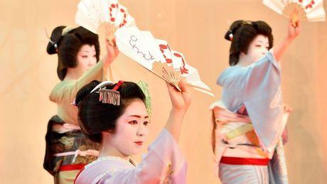 Khoanh khac bi mat cua Maiko: Theo chan hoc vien Geisha Nhat Ban - Anh 3