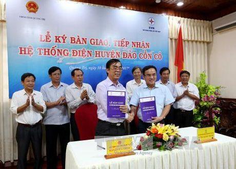 Quang Tri tiep nhan he thong dien tren dao Con Co - Anh 1