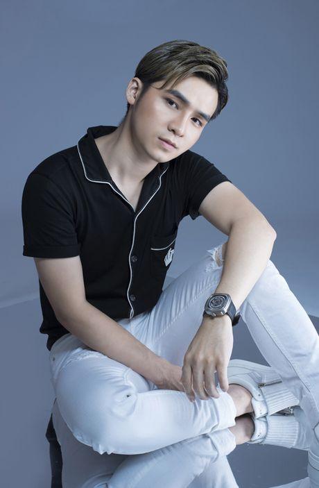 Ha Anh hat ve tinh yeu cao thuong sau khi chia tay Duong Hoang Yen - Anh 1