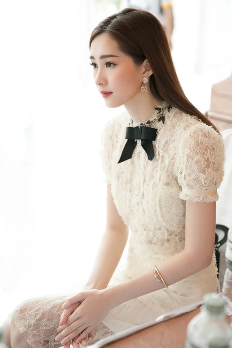 Hoa hau Thu Thao xinh dep nhu nu sinh tai su kien - Anh 9