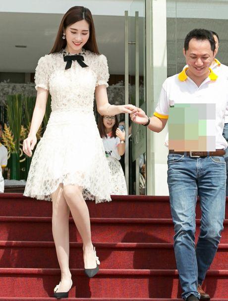 Hoa hau Thu Thao xinh dep nhu nu sinh tai su kien - Anh 6