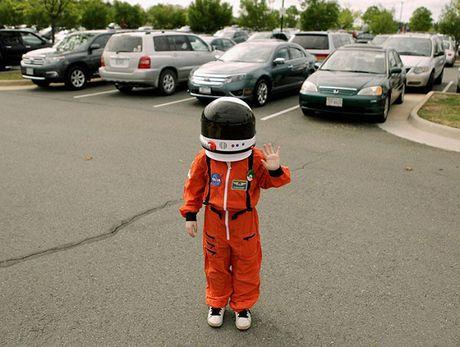 NASA hoi dap buc thu xin viec cua 've binh dai ngan ha' 9 tuoi - Anh 4