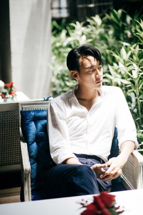Rocker Nguyen noi ve tin don yeu Minh Hang: Khong co chuyen do dau! - Anh 1