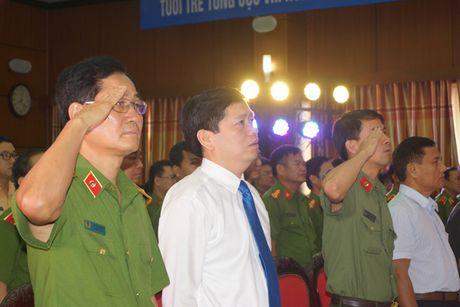 Tuoi tre canh sat trai giam xung kich, sang tao - Anh 2