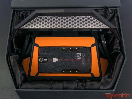 Can canh smartphone sieu xe Tonino Lamborghini 88 Tauri gia 100 trieu dong - Anh 4