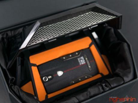 Can canh smartphone sieu xe Tonino Lamborghini 88 Tauri gia 100 trieu dong - Anh 5