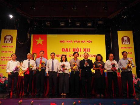 Chu tich Hoi Nha van Ha Noi Nguyen Thi Thu Hue: Rong cua don nha van tre vao hoi - Anh 2