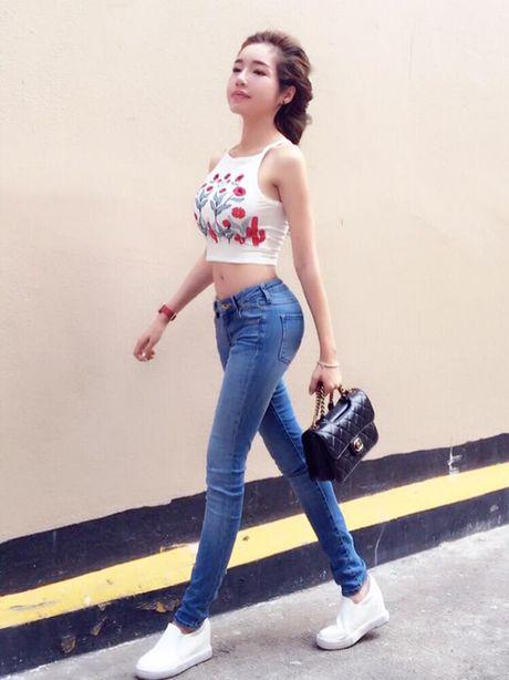 Phi Thanh Van khoe vong 3 khung nhat showbiz Viet nhung Elly Tran cung khong kem canh - Anh 5