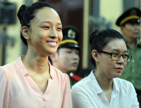 Tam dinh chi vu an Hoa hau Phuong Nga 'lua dao' - Anh 1