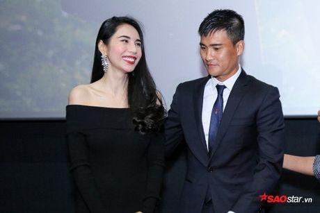 Cong Vinh thua nhan luon la nguoi chiu thiet trong gia dinh de Thuy Tien hanh phuc - Anh 4
