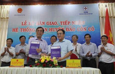 Dao Con Co o Quang Tri duoc cap dien 24/24h - Anh 1