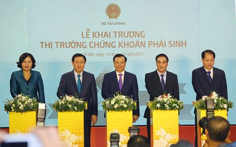 Thi truong chung khoan phai sinh Viet Nam ra doi som hon thong le - Anh 1