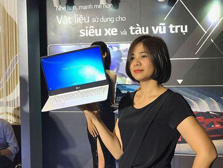 LG nhay vao thi truong laptop Viet bang 'at chu bai' LG Gram sieu nhe, gia tu 24,5 trieu dong - Anh 1
