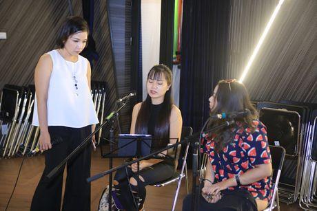 My Linh, Thanh Lam tap luyen cho dem '5 giong ca vang: Nho thu Ha Noi' - Anh 3