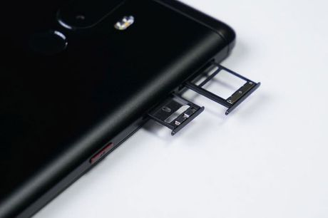 Can canh smartphone camera kep, chip 10 nhan, gia 'mem' - Anh 12