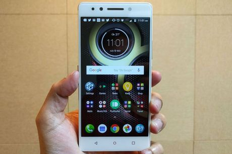 Can canh smartphone camera kep, chip 10 nhan, gia 'mem' - Anh 16