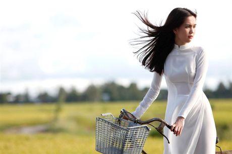 Ngoc Trinh: 'Song ma chay theo du luan thi met va kho vo cung' - Anh 4