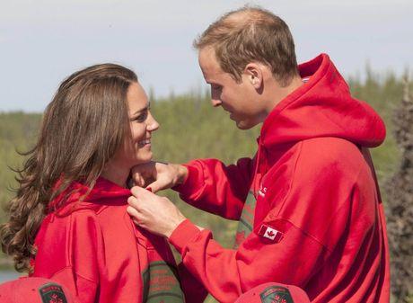 Hinh anh gian di, tre trung thuong ngay cua Cong nuong Kate Middleton - Anh 1