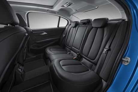 BMW 'nha hang' xe sang gia re 1 Series Sedan moi - Anh 5
