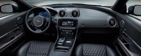 Jaguar XJR 575 2018: Sieu sedan gia gan 3 ty dong - Anh 3