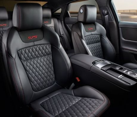 Jaguar XJR 575 2018: Sieu sedan gia gan 3 ty dong - Anh 4