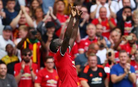 5 diem nhan Man Utd 4-0 West Ham: Quy do thach thuc ca giai dau - Anh 2