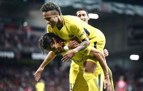 Neymar kien tao va ghi ban ra mat, PSG huy diet Guingamp - Anh 1