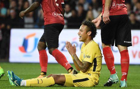 Neymar kien tao va ghi ban ra mat, PSG huy diet Guingamp - Anh 2
