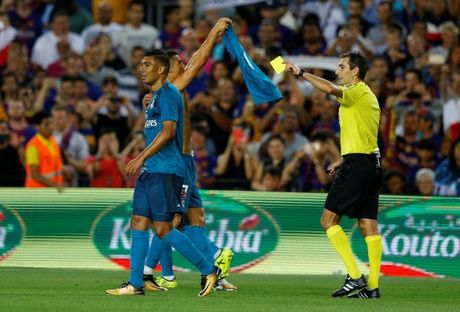 Day trong tai, Ronaldo doi mat voi an phat - Anh 3