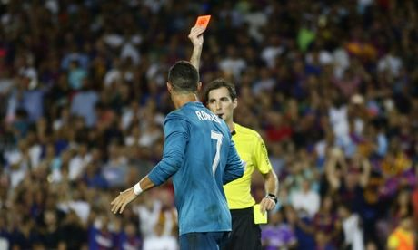 Day trong tai, Ronaldo doi mat voi an phat - Anh 4